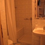 Anemoni room wc